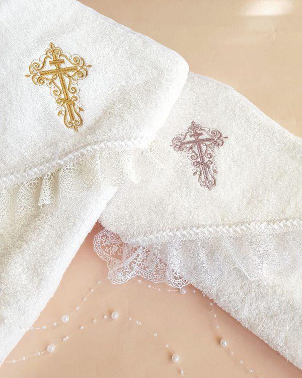 Крестильное полотенце с вышитым крестиком и кружевом в ассортименте