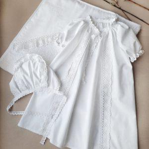"""Крестильный комплект с полотенцем """"Душенька"""" белая вышивка"""