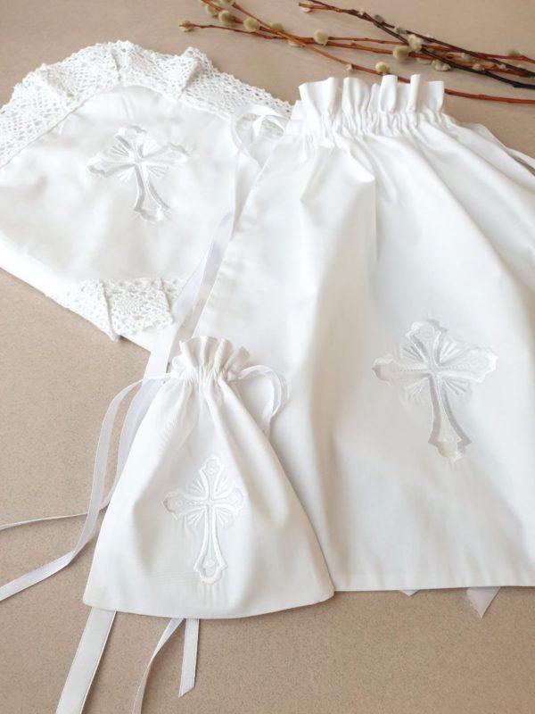 Комплект крестильных аксессуаров с вышивкой