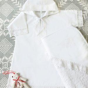 Комплект для девочки (рубашка с капюшоном, полотенце с вышивкой)