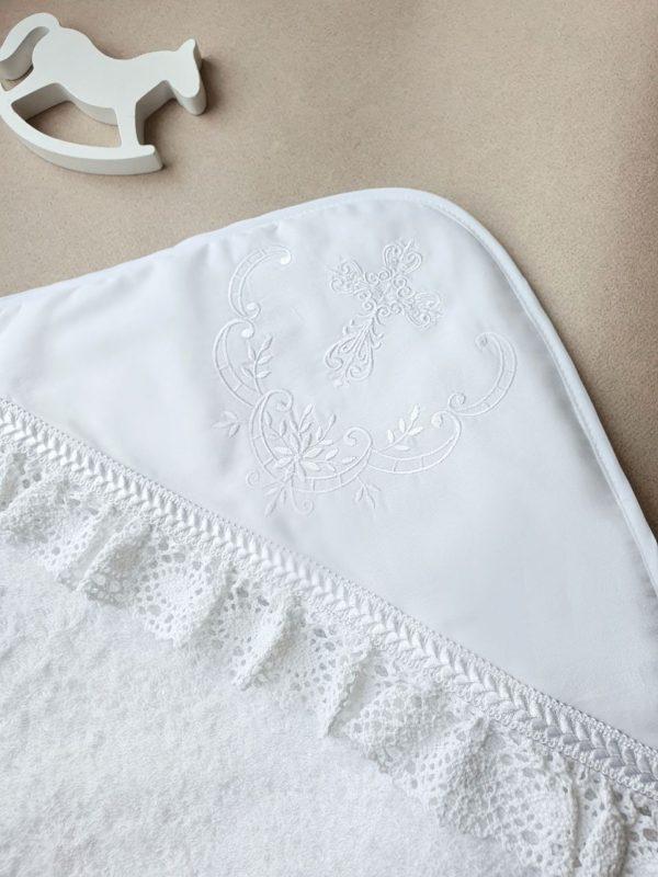 """Крестильный набор с полотенцем и белоснежной вышивкой """"Молочные берега"""""""