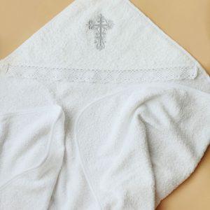 Крестильное полотенце с вышитым серебряным крестиком