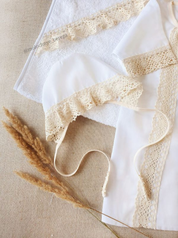 """Крестильный набор с полотенцем """"Ажурные мотивы"""""""