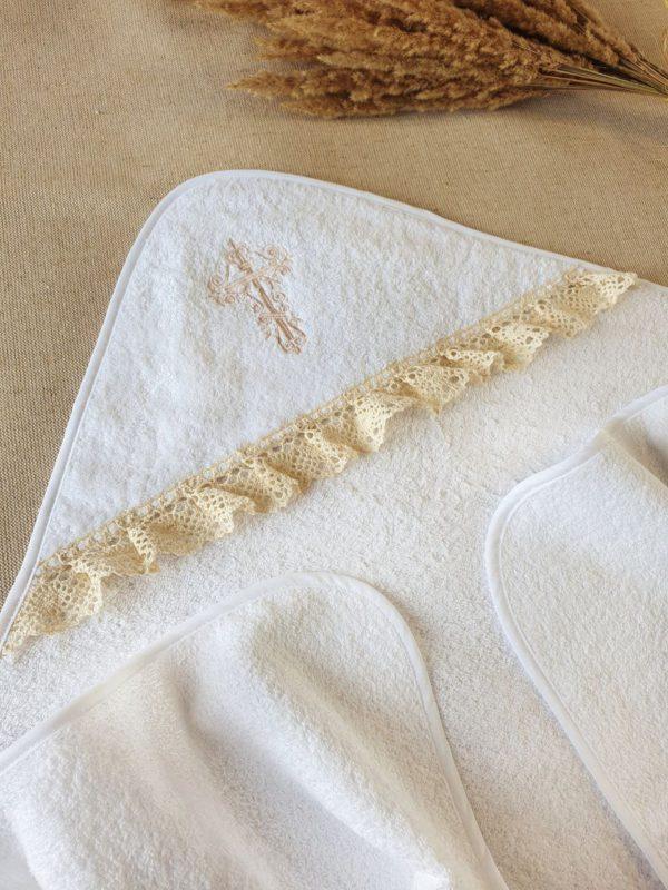 """Крестильное полотенце с бежевым кружевом """"Былина"""""""