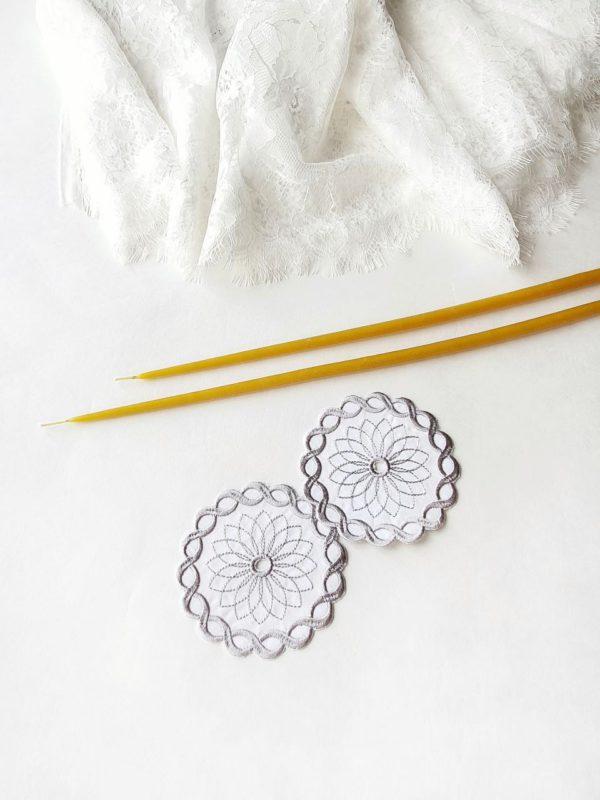 Салфетки под свечи в цвете серебро