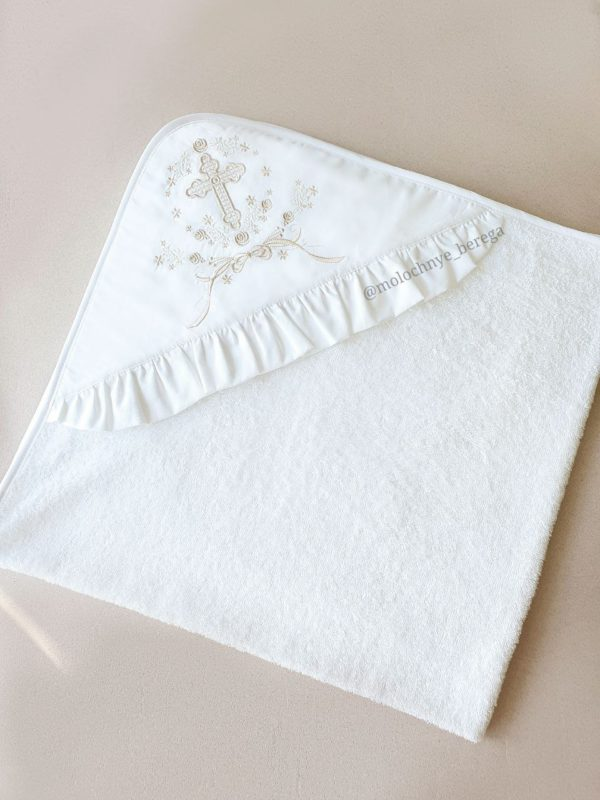 Крестильный наряд с вышивкой и полотенцем